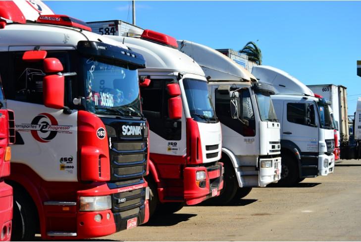 Queda na demanda geral no transporte rodoviário de cargas é de 27,18%